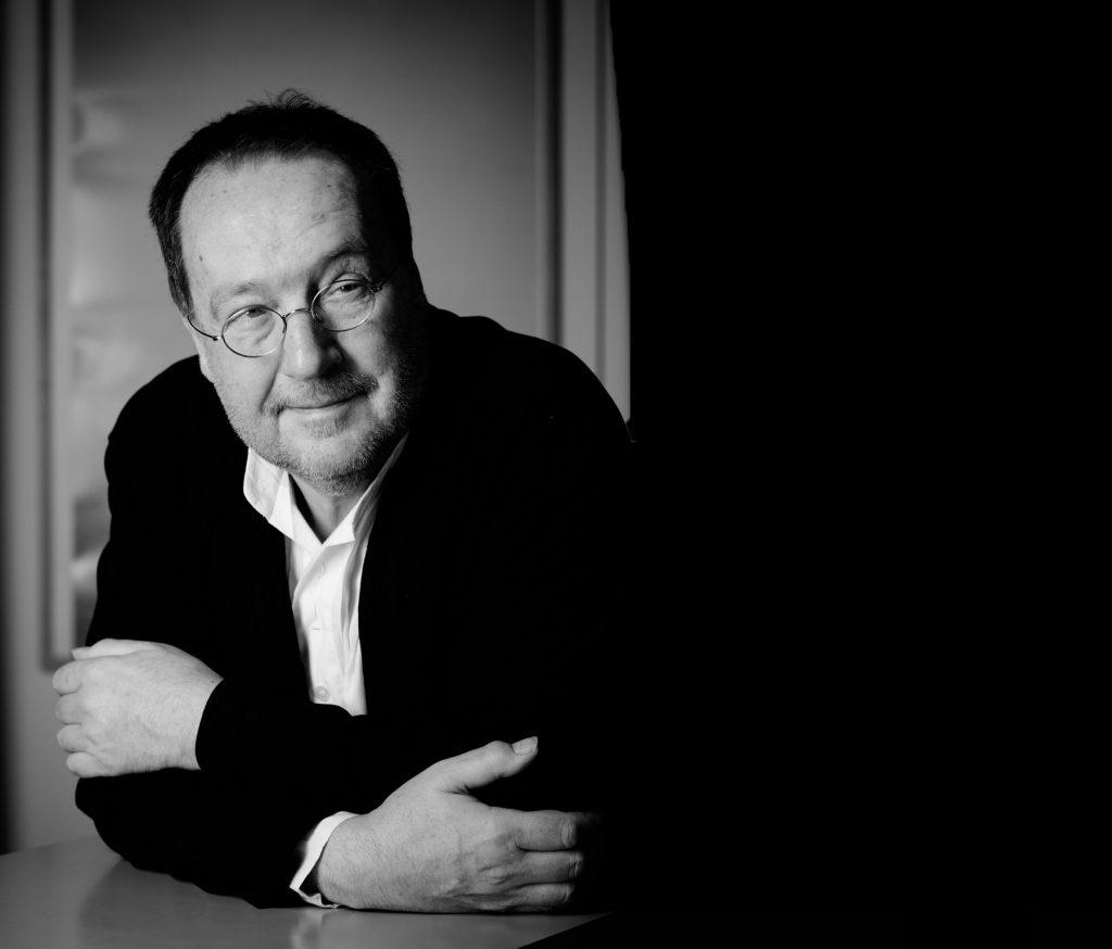 Portrait von Prof. Dr. Michael Erlhoff
